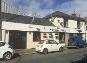 Thumbnail Pub/bar for sale in Clarence Road, East Cowes