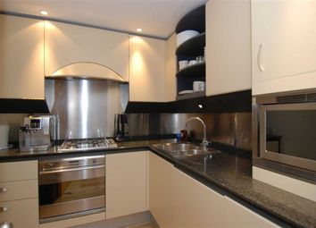 Thumbnail 1 bed flat for sale in Hanover House, Docklands, London