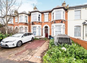 3 bed flat for sale in Richmond Road, Ilford IG1