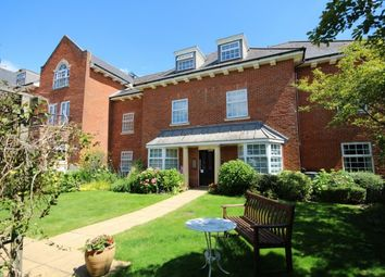 Thumbnail 3 bedroom flat to rent in Potters Place, Horsham
