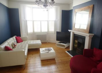 Thumbnail 4 bed flat to rent in Clifton Street, Brighton