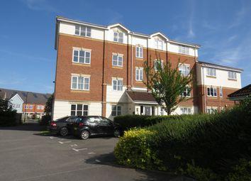 Thumbnail Flat to rent in Cobham Close, Cippenham, Slough