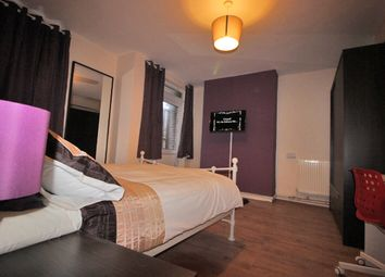 Thumbnail Room to rent in Shillingford, Talwin Street, Bromley By Bow