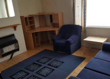 Thumbnail 1 bed flat to rent in Auckland House, Shepherd's Bush, London 7