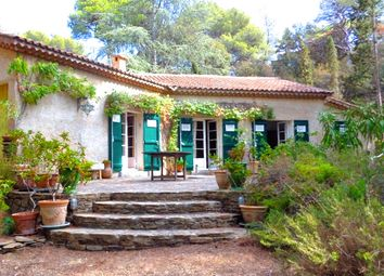 Thumbnail 3 bed villa for sale in Presqu'île De Giens, Reserve Naturelle, Hyères (Commune), Hyères, Toulon, Var, Provence-Alpes-Côte D'azur, France