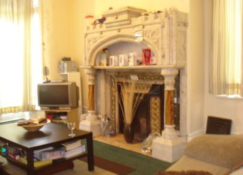 Thumbnail 6 bed terraced house to rent in Regent Park Avenue, Hyde Park, Leeds