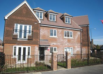 Thumbnail 2 bed flat to rent in Foxglove Drive, Holyport, Maidenhead