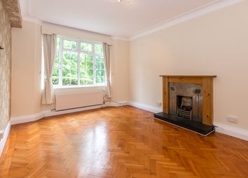 Thumbnail 3 bedroom flat to rent in South Close, Highgate