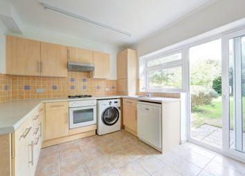 Thumbnail 2 bed maisonette to rent in Magdalen Road, Earlsfield