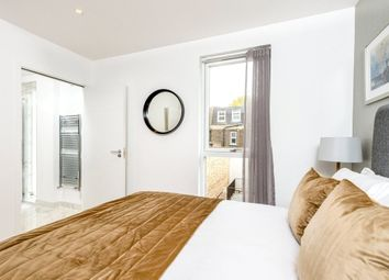 Thumbnail 2 bed town house to rent in Grays Inn Road, Kings Cross