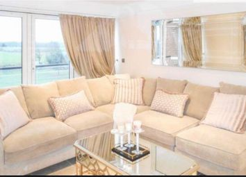 Thumbnail 2 bedroom flat to rent in Hawkes Close, Langley