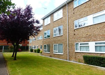 2 bed flat to rent in Grovelands, Peterborough PE3