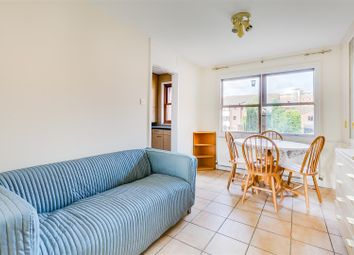 Holley Road, London W3. 2 bed flat