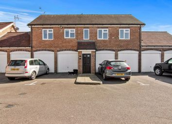 Thumbnail Flat to rent in Kennedy Close, London Colney, St.Albans