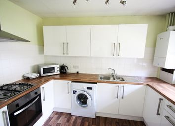 2 bed flat to rent in Montana Close, Sanderstead, South Croydon CR2