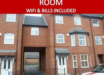 Thumbnail Room to rent in East Water Crescent, Hampton Vale, Peterborough