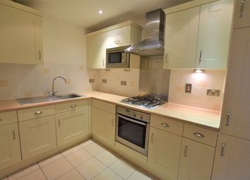 Thumbnail 2 bed flat to rent in Heathcote Road, Camberley