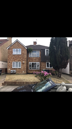 Thumbnail 2 bed maisonette to rent in Chingford Avenue, Chingford