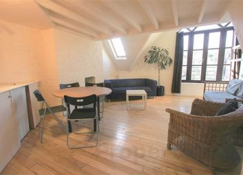 Thumbnail 4 bed flat to rent in Archway Road, Highgate, London
