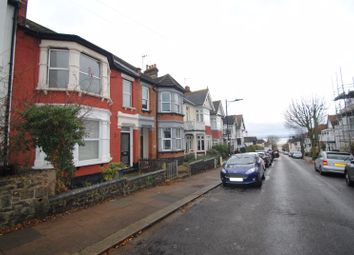 Thumbnail 1 bedroom flat to rent in Highcliff Drive, Leigh-On-Sea