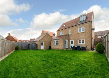 Thumbnail Detached house for sale in Dunnock Close, Aspen Park, Hemel Hempstead, Hertfordshire