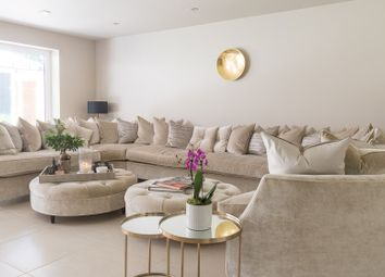 Thumbnail Serviced town_house to rent in Oakhurst Close, Kingston Upon Thames