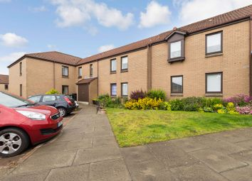 Thumbnail 2 bed flat for sale in 17 Hill Court, Dunfermline