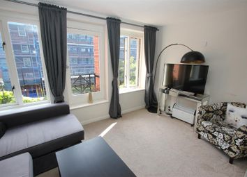 Thumbnail 1 bedroom flat for sale in Discovery Walk, London