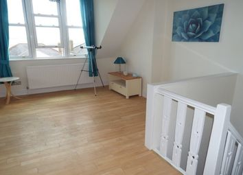 Thumbnail 1 bed flat to rent in Queens Road, Leigh-On-Sea