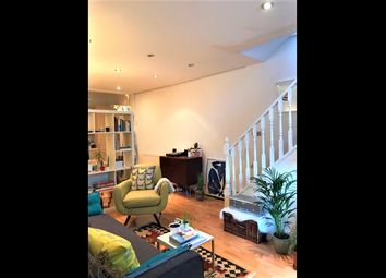 2 bed maisonette to rent in Usher Road, Bow, East London E3