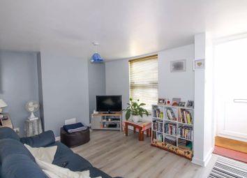 Middlecroft Lane, Gosport PO12. 2 bed terraced house