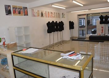Thumbnail Commercial property to let in To Lease Reatail Shop, Queens Park, Bedford