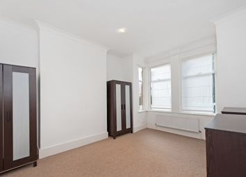 2 bed maisonette to rent in The Avenue, London W4