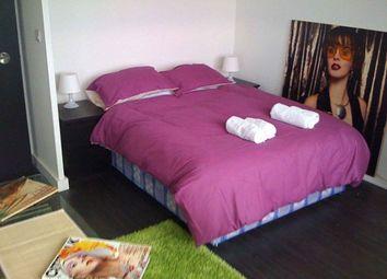 Thumbnail 3 bed flat to rent in Kennington Lane, Kennington