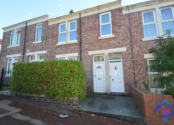 Thumbnail 3 bed flat to rent in Maxwell Street, Gateshead