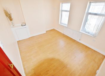Thumbnail 1 bedroom flat to rent in Avenons Road, London