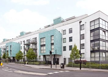 Thumbnail 2 bed flat to rent in Drayton Park, Arsenal