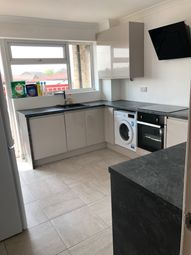Thumbnail 2 bed flat to rent in Scotter Road, Scunthorpe