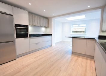 Thumbnail 2 bedroom maisonette to rent in Linden Close, Thames Ditton