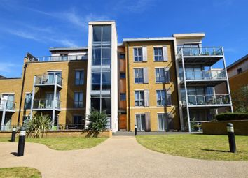Thumbnail 1 bedroom flat to rent in Blagrove Road, Teddington