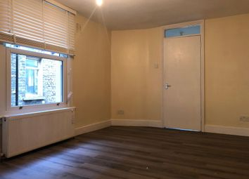2 bed flat to rent in Mabley Road, Hackney, Homerton, Victoria Park E9
