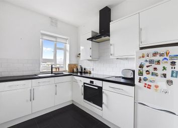 Thumbnail 1 bed flat to rent in Cambridge Crescent, London
