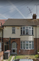 Thumbnail 3 bedroom terraced house to rent in Kingsley Road, Luton