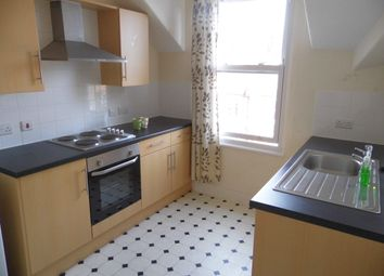 2 bed flat to rent in Greenfield Road, Colwyn Bay LL29