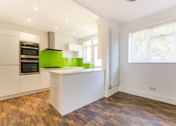 3 bed property for sale in Robin Lane, Hendon NW4