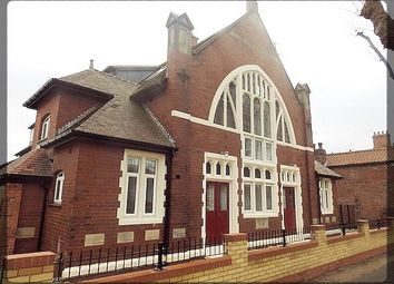 Thumbnail 2 bedroom flat to rent in Southcoates Avenue, Hull, East Yorkshire