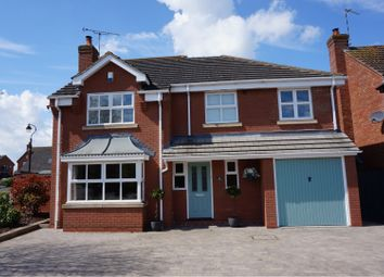 Thumbnail 5 bed detached house for sale in Simpkins Close, Leamington Spa