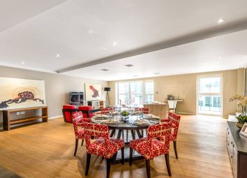 Thumbnail 2 bed flat for sale in Palace Place, St James's