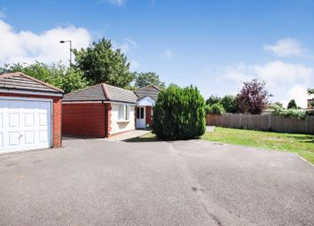 Hunts Pond Road, Park Gate, Southampton SO31. 3 bed detached bungalow
