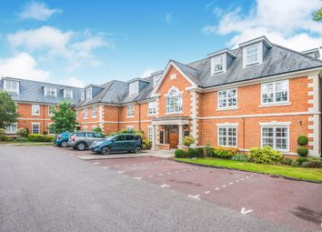Thumbnail 2 bed flat for sale in Robin Hill, Maidenhead